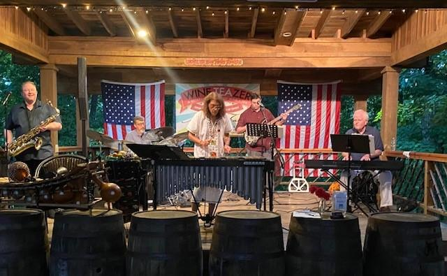 Grooving at Amber Falls Winery -- August 2021